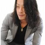 黒髪でセクシーなグランジパーマスタイル!