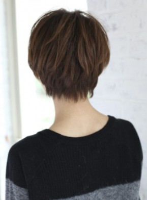 大人かわいいショートヘアスタイル