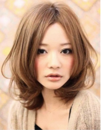 センターパート☆上品で大人かわいいふわミディヘアスタイル