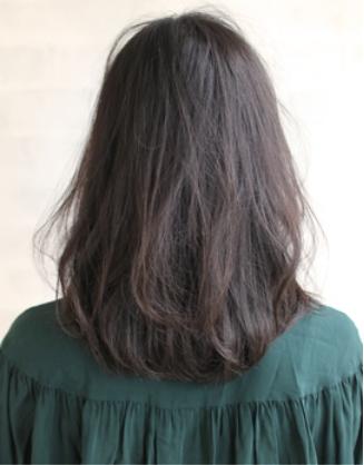 暗髪でも重くならない♪美肌を叶えるダークアッシュ