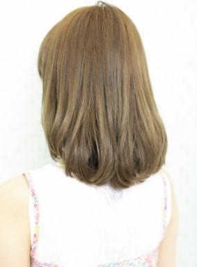 黒髪でも似合うオシャレかわいいふわふわミディアムボブ