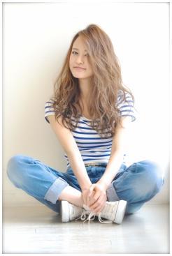 夏ウェーブ☆小顔ばっちしなフェミニンスタイル