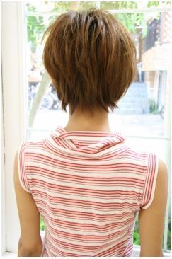 コンパクトで大人かわいい、スタイリング簡単ショートスタイル